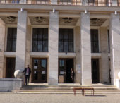 Делегація краю Височина передала закарпатським лікарням 4300 засобів захисту