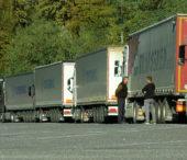 На виїзді з Ужгорода утворилися затори з вантажівок